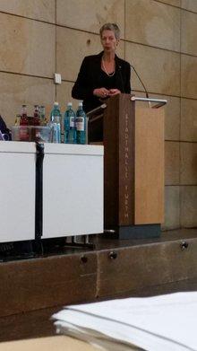 ver.di Landesbezirksleiterin Luise Klemens