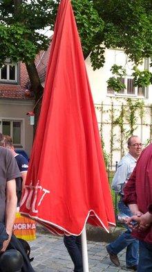Färdd Festival mit tollen Schirmen (II)