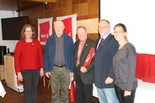 Herbert Hahn und Willi Mehler seit 60 Jahren Mitglied, umrahmt von den stellvertretenden Ortsvereinsvorsitzenden Ines Meissner und Verena Hofbauer (rechts)