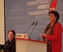 Anja Piel, links Annelie Buntenbach